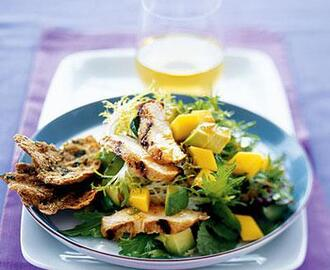 GRILLED CHICKEN SALAD WITH AVOCADO AND MANGO