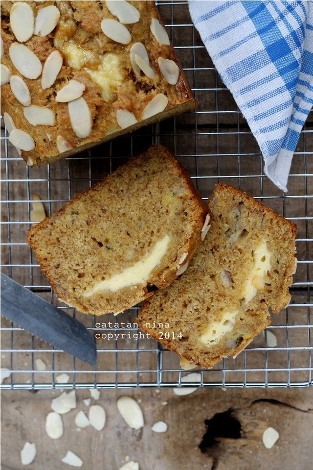 BANANA BREAD WITH CREAM CHEESE FILLING
