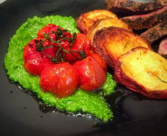 Pepper-Crusted Beef Fillet with Pea Purée