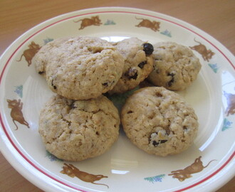 Cowboy cookies (Oat and Raisin cookies)