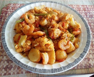 Stir-Fried Cauliflower with Potatoes & Shrimp