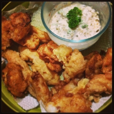 Battered fish with tartar sauce
