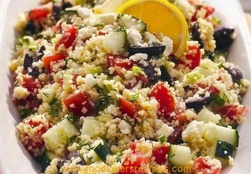 COUSCOUS SALAD WITH VEGETABLES AND CHICKPEAS