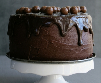 The Ultimate Chocolate Cake & October Cake Round Up