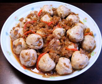 Preserved Mustard Cabbage with  vegetable  meat balls 梅菜素丸子