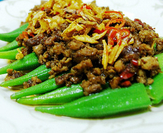 Okra with Mince and Salted Fish (咸鱼肉碎羊角豆)