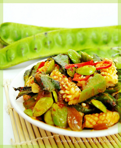 Stir-fried Vegetables with Sambal [三缺一]