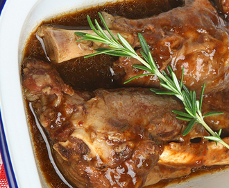Slow Cooker Lamb Shanks with Rosemary Gravy