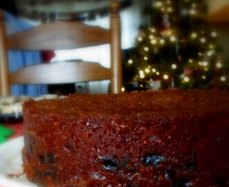 War Cake . . .  a fruity cake that stands the test of time!