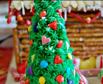The Ultimate Gingerbread House Party – Simple Entertaining!