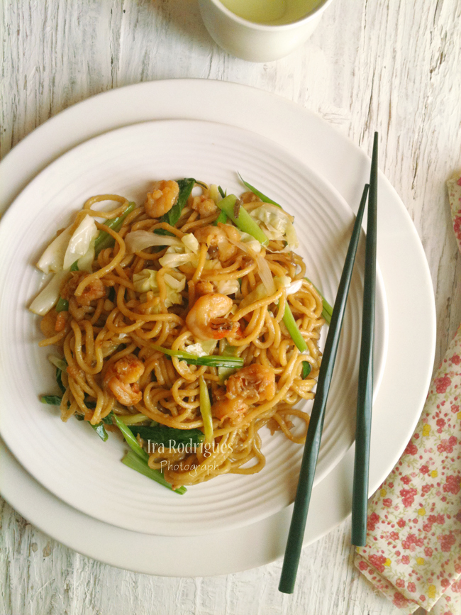 Mie Goreng ( Indonesian Fried noodles )