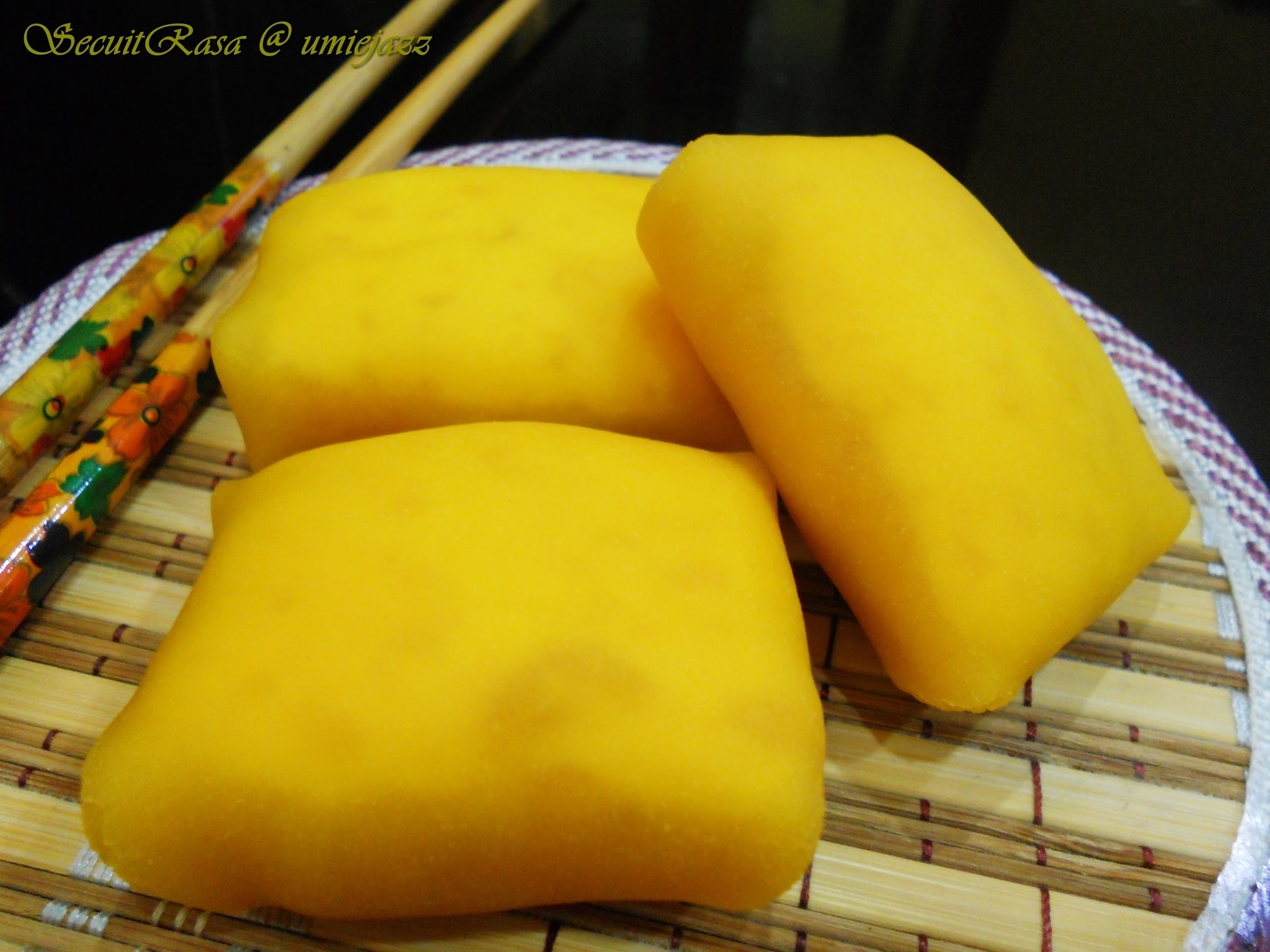 DURIAN CREPE WITH CUSTARD FILLING...SO YUMMEY