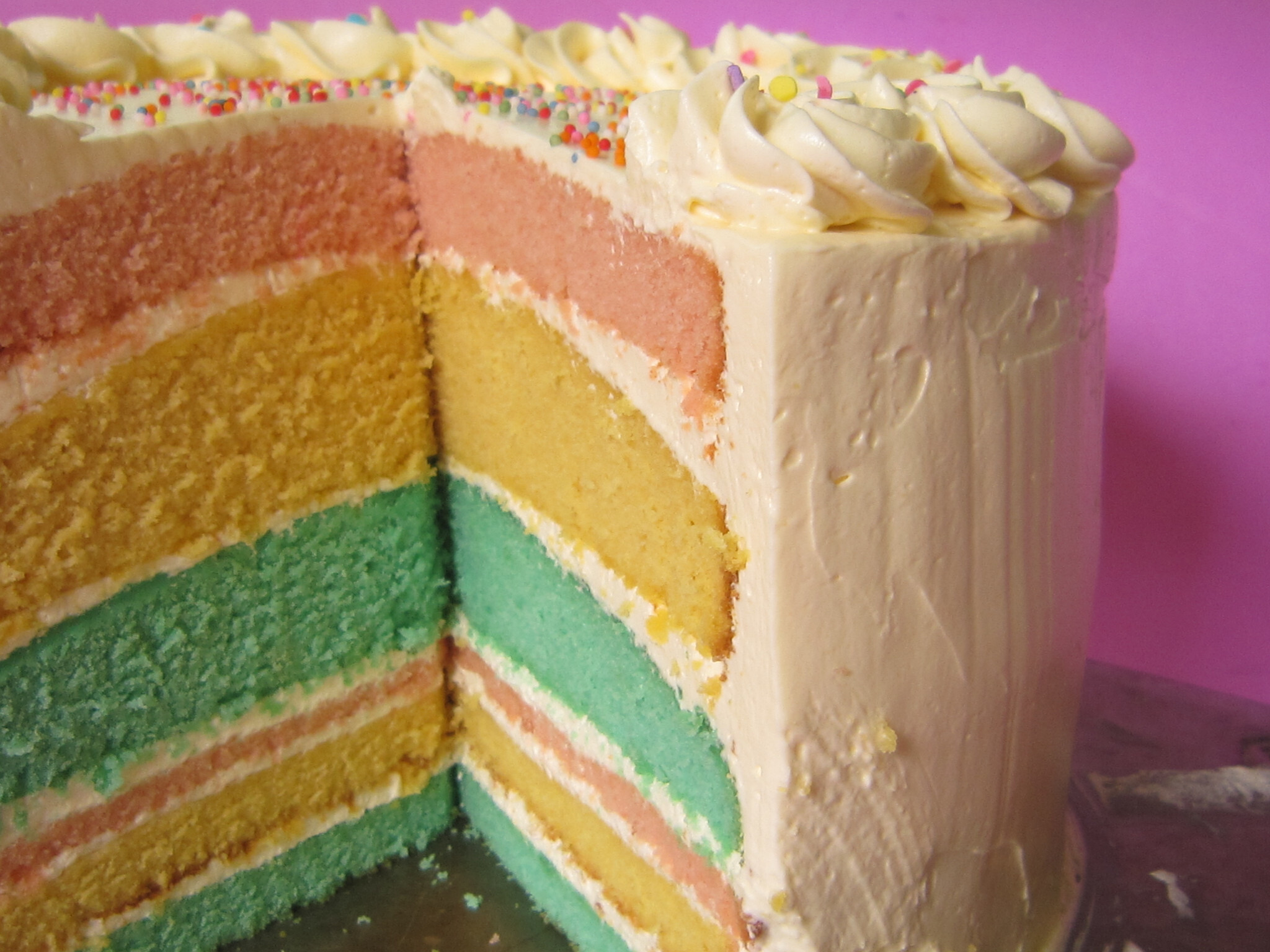 Rainbow cake: butter cake tipe with flour butter method