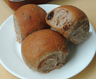 Vegan Sun-Dried Tomatoes & Herbed Finger Millet Bread Rolls/Herbed Ragi Bread Rolls
