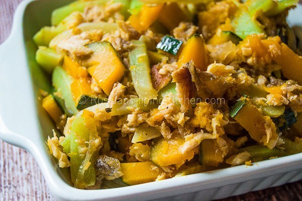 Sautéed Chayote and Squash With Shredded Fish (Ginisang Sayote at Kalabasa)