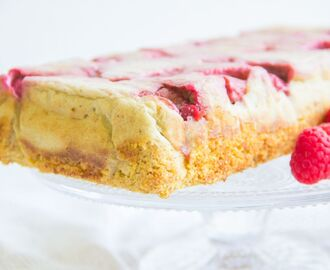 Lemon curd raspberry cake