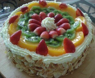 FRUIT GATEAU