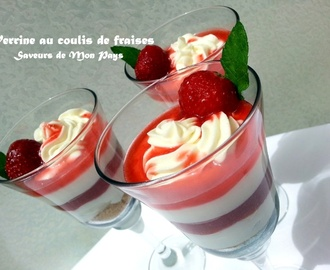 Verrine cheesecake au coulis de fraises