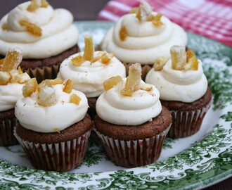 Gingerbread Cupcakes (Vegan and a Gluten-Free Option)