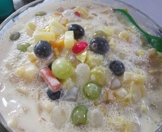 FRUIT SALAD with NATA DE COCO and BLACK GRAPES