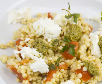 Pesto Pearl Couscous with Cherry tomatoes and Mozzarella