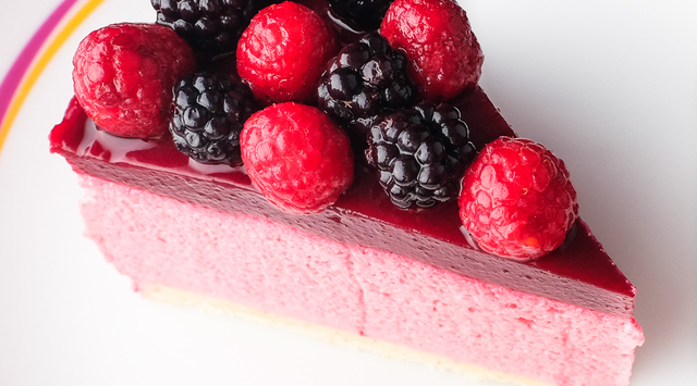 Bavarois aux framboises, nappage fruits rouges