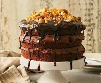 cupcakes-and-couscous wrote a new post, Vegan chocolate nut brittle cake, on the site Cupcakes & Couscous
