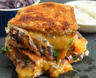 #FoodieExtravaganza Grilled Cheese: Grilled Cheese with Caramelized Onions and Spinach
