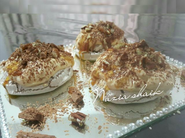Mini Coffee pavlovas