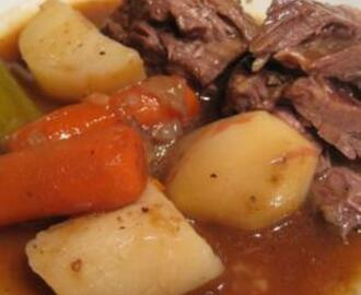 BEEF POT ROAST WITH VEGGIES