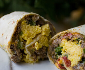Beef Sausage, Egg and Cheese Roll Ups #SundaySupper