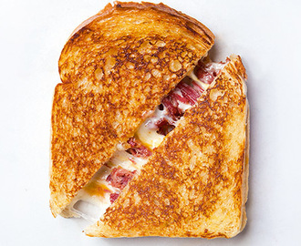 Grilled Cheese and Corned Beef Sandwich Recipe