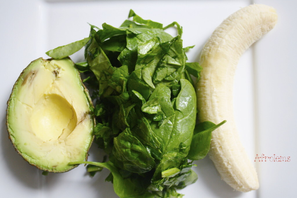 Avocado Spinach and Banana Green Juice