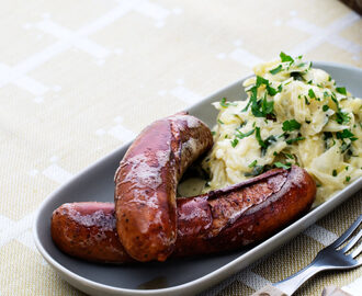 Sausage with Creamed Green Cabbage