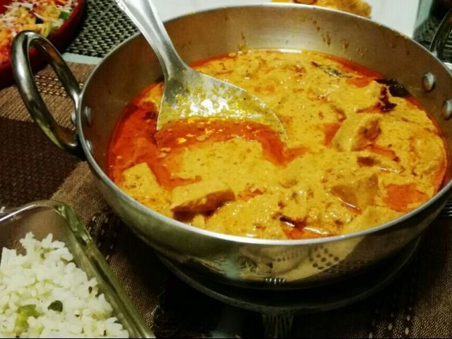 DELUXE BUTTER CHICKEN