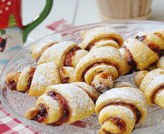 Carrot Crescents wih Plum Jam
