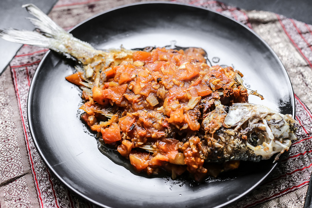 Fried Fish in Tomato Sauce (Ca Chien Sot Ca Chua)