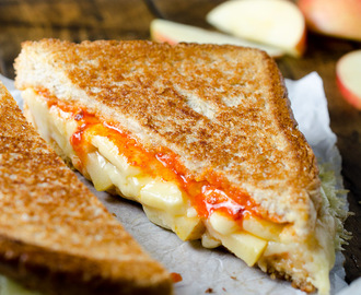 Grilled Cheese and Apple Sandwich with Sriracha Butter