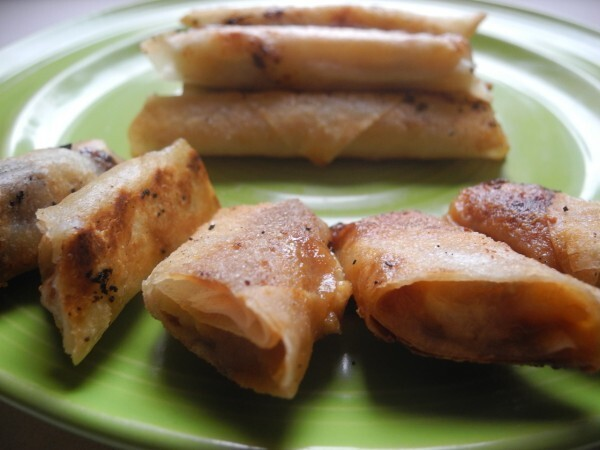 Banana Spring Rolls with Chocolate or Dulce de Leche