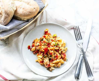 Easy Mexican scrambled eggs