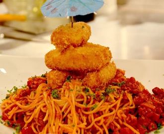 Pinoy Spaghetti with Mozzarella Sticks Recipe