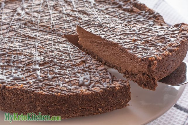 Low Carb No-Bake Chocolate Cheesecake