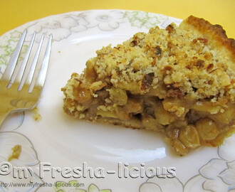 Apple Raisin Rum Pie with Almond Crumble Topping
