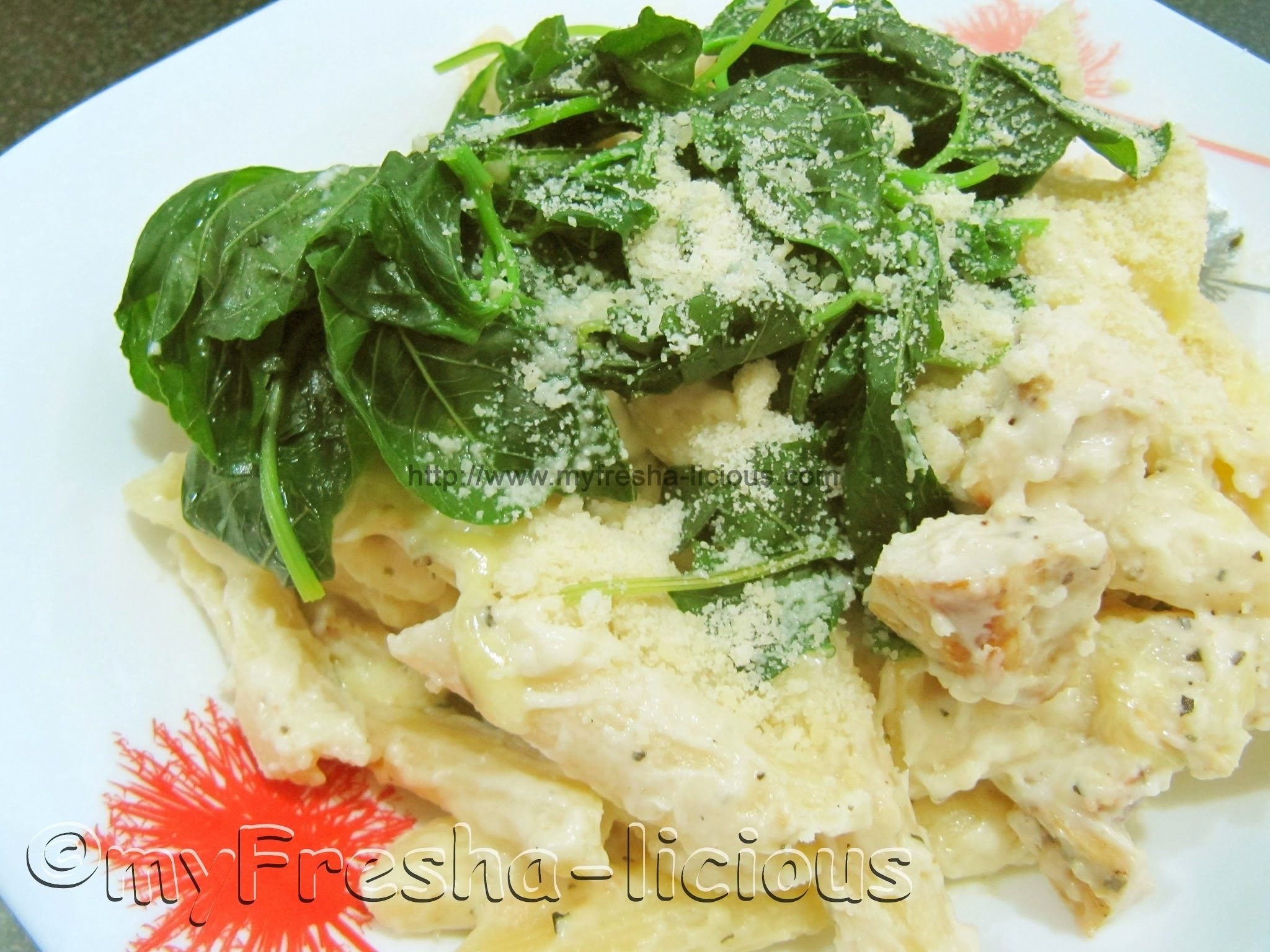 Penne and Spinach in Creamy-Garlicky Chicken Sauce