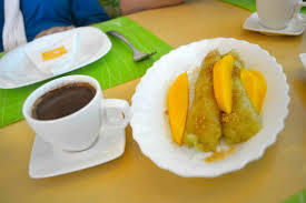 Philippine Recipes : Mangga at Suman (Mangoes and Glutinous Rice Cakes)