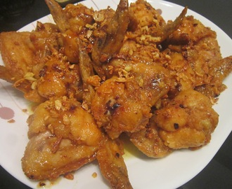 HONEY GARLIC FRIED CHICKEN WINGS