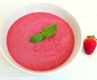 Soupe de betteraves et fraises au basilic (Beetroot and strawberries soup with basil)