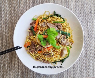 Mi Xao Bo - Stir Fried Egg Noodle with Beef