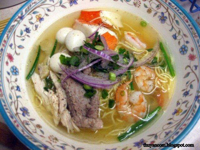 Mi Dac Biet - Combination Egg Noodle Soup