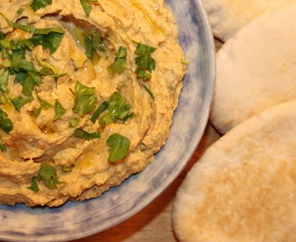 Meatless Monday – Sundried Tomato Houmous